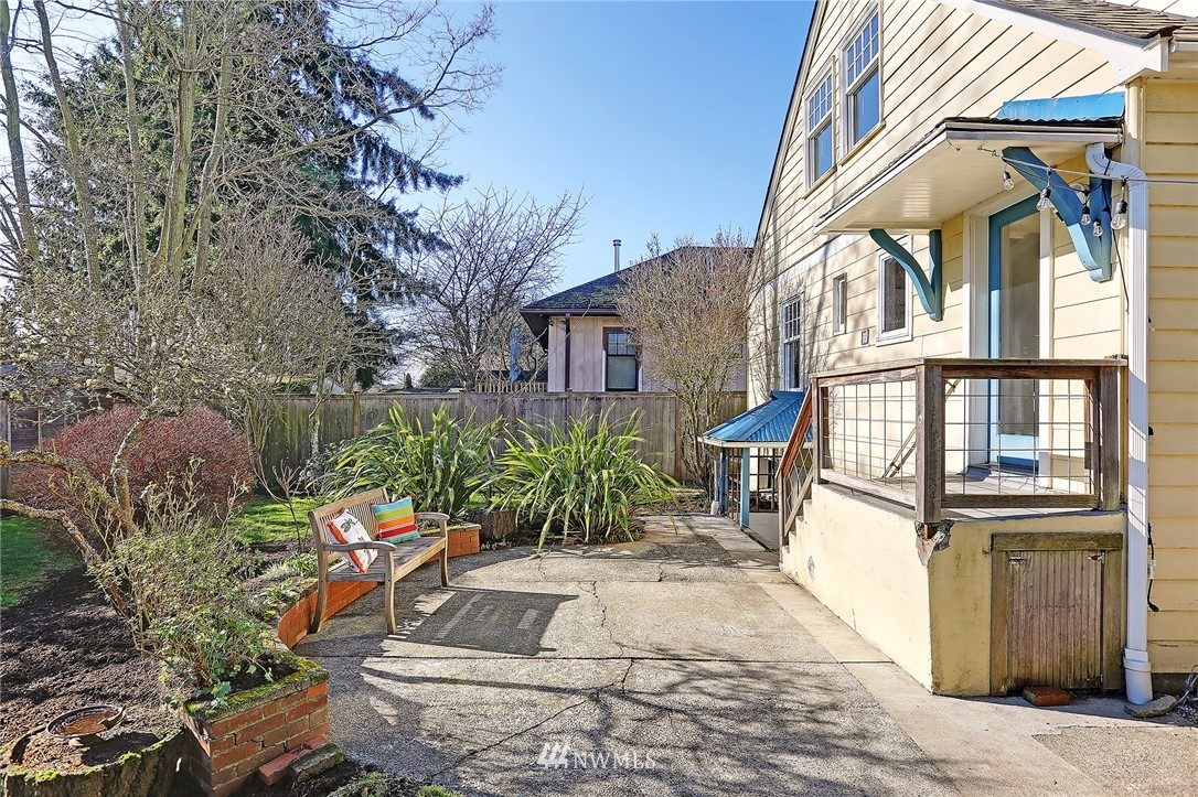 Sold Property   3007 NW 70th Street Seattle, WA 98117 19