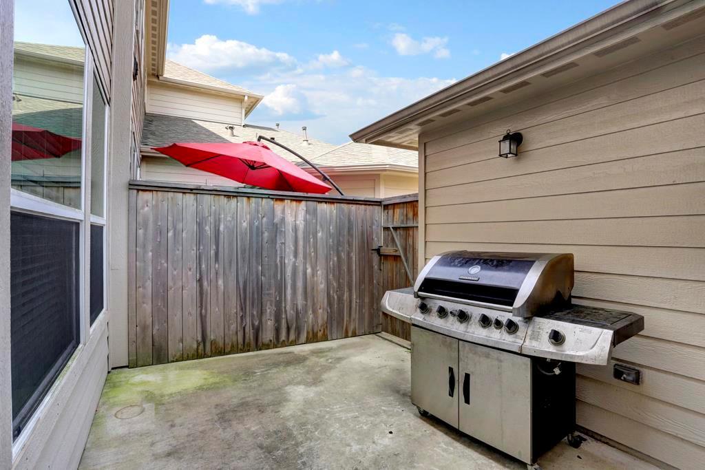 Off Market | 9110 Solvista Pass Lane Houston, Texas 77070 19