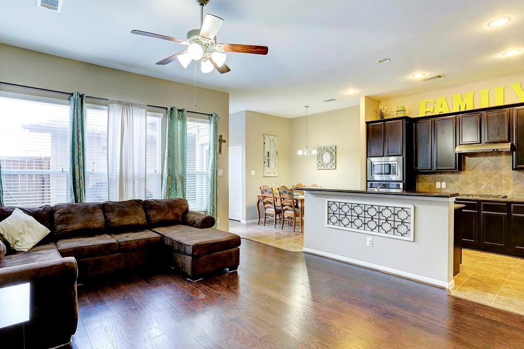Off Market | 9110 Solvista Pass Lane Houston, Texas 77070 6