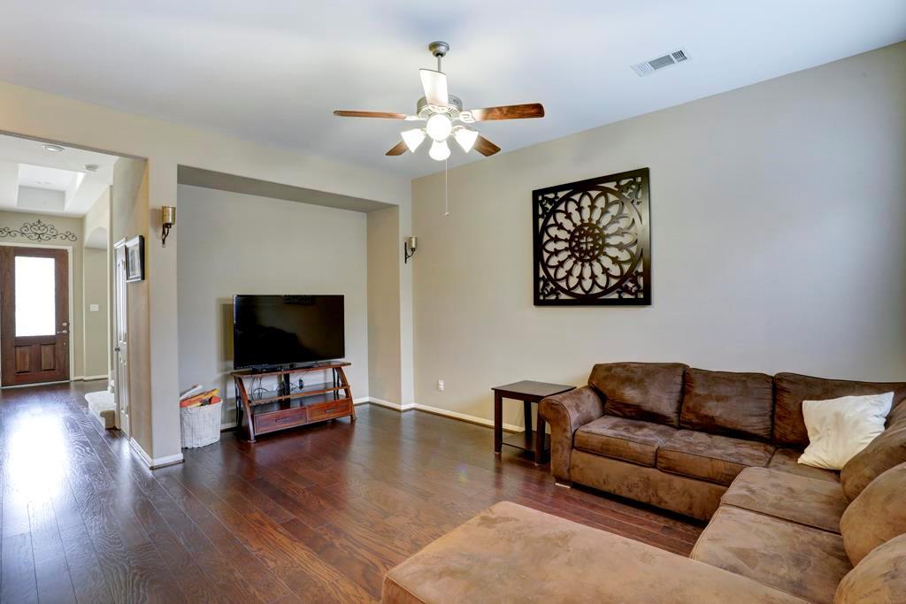Off Market | 9110 Solvista Pass Lane Houston, Texas 77070 8