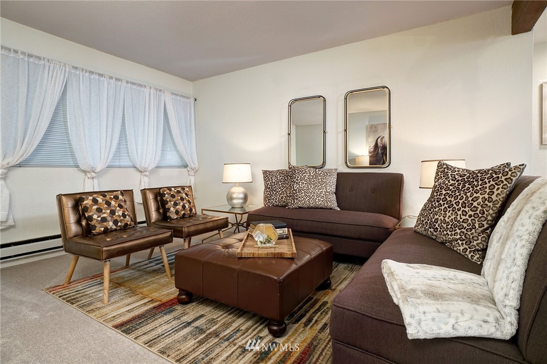 Sold Property | 8747 Phinney Avenue N #3 Seattle, WA 98103 3