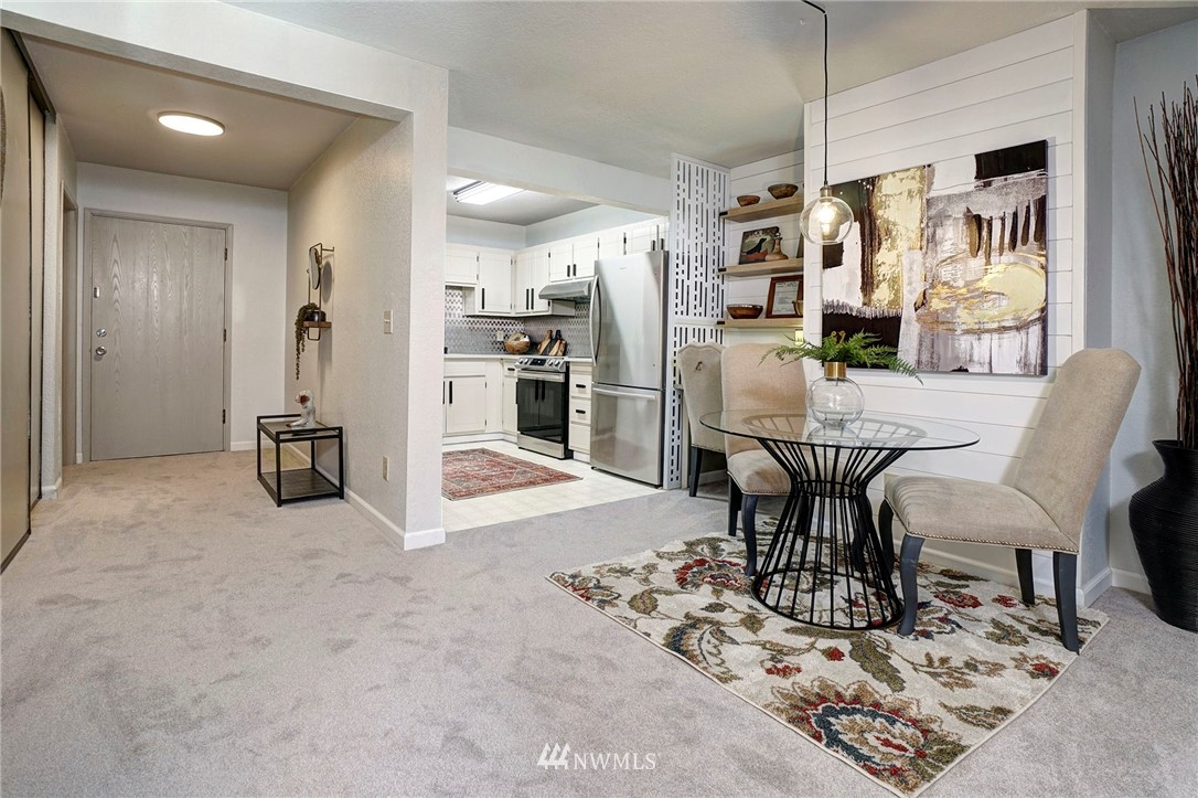 Sold Property | 8747 Phinney Avenue N #3 Seattle, WA 98103 6