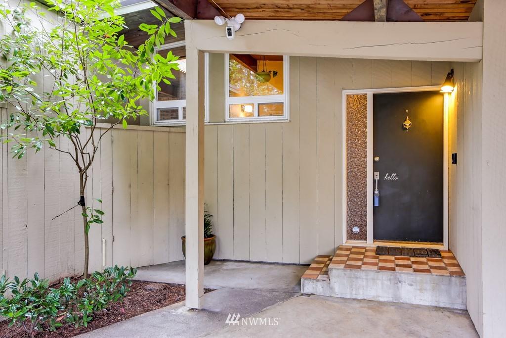 Sold Property | 3514 NE 187th Street Lake Forest Park, WA 98155 2