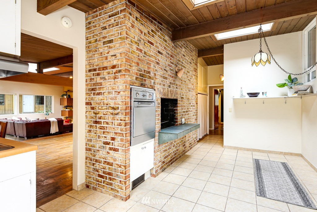 Sold Property | 3514 NE 187th Street Lake Forest Park, WA 98155 3