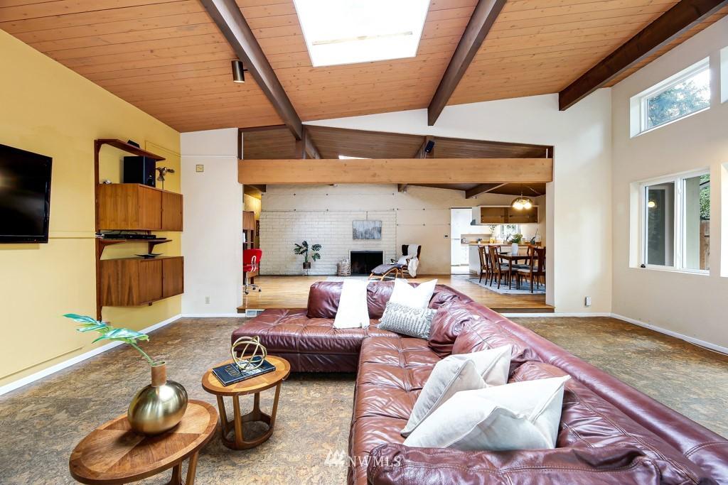 Sold Property | 3514 NE 187th Street Lake Forest Park, WA 98155 9