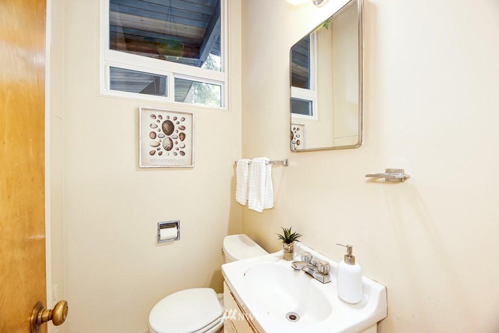 Sold Property | 3514 NE 187th Street Lake Forest Park, WA 98155 11