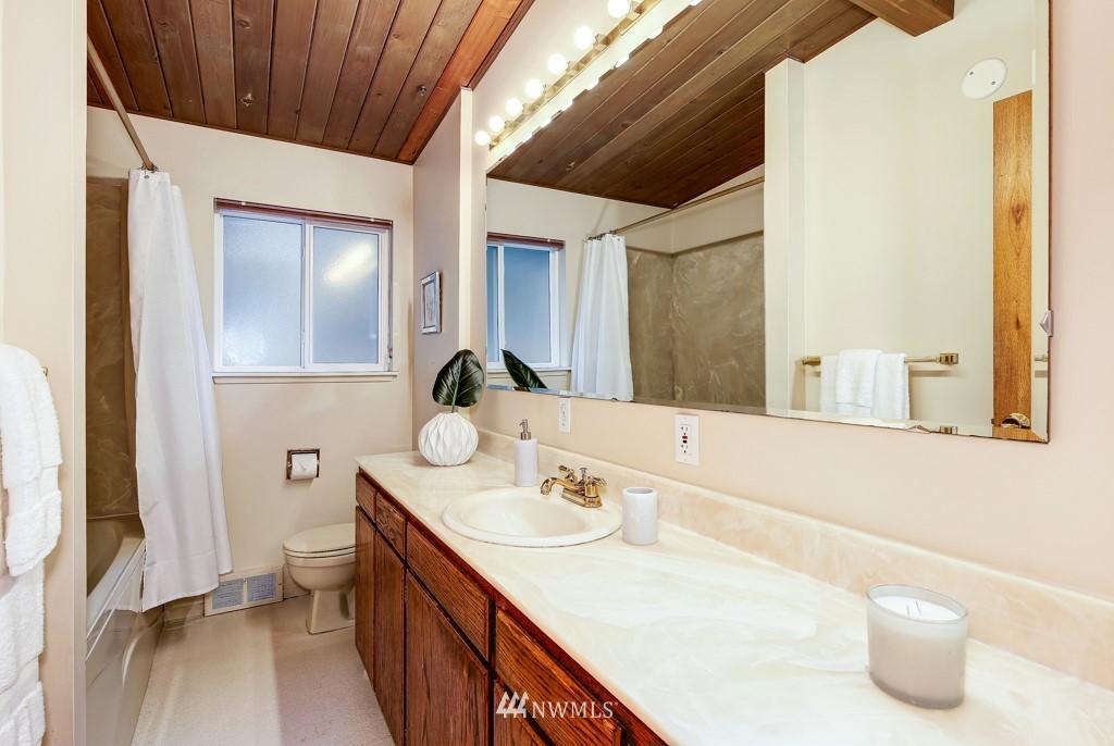 Sold Property | 3514 NE 187th Street Lake Forest Park, WA 98155 16