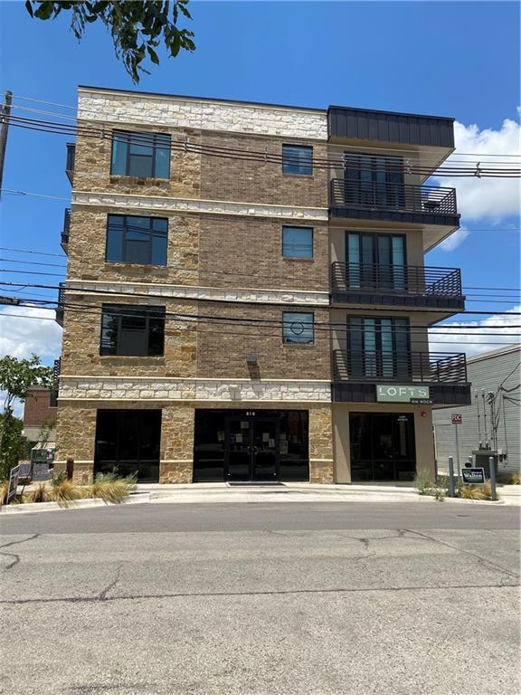 Active | 810 S Rock Street #401 Georgetown, TX 78626 2