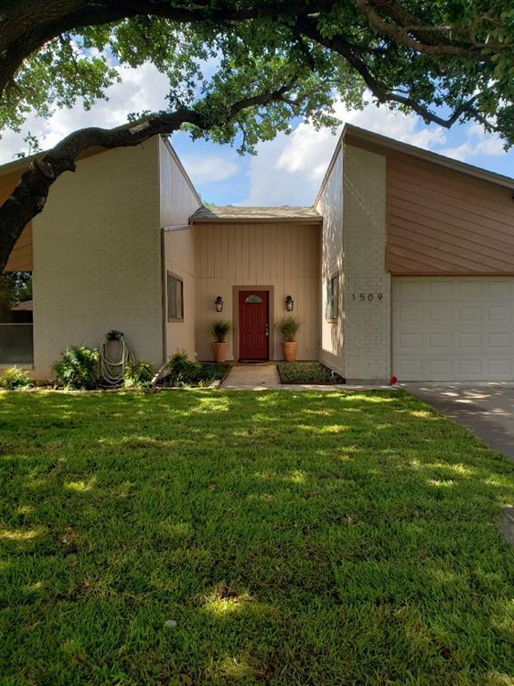 Leased | 1509 Flamingo Drive Arlington, Texas 76012 2