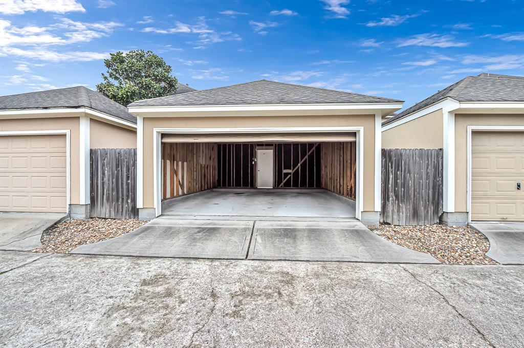 Off Market | 8019 Ellinger Lane Houston, Texas 77040 34