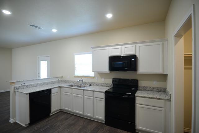 Pending   3501 Barnacle Drive Killeen, TX 76549 7
