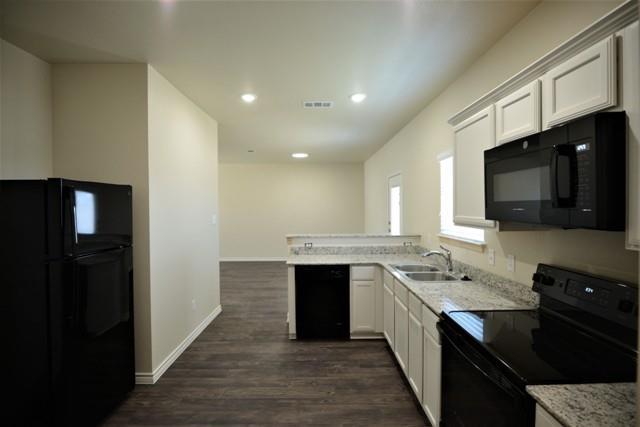 Pending   3501 Barnacle Drive Killeen, TX 76549 8