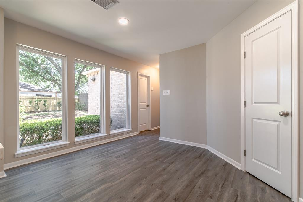 Renovated Home in Briargrove Park | 10334 Lynbrook Hollow Street Houston, Texas 77042 17
