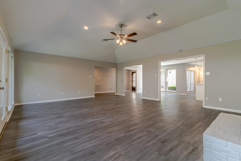 Renovated Home in Briargrove Park | 10334 Lynbrook Hollow Street Houston, Texas 77042 21