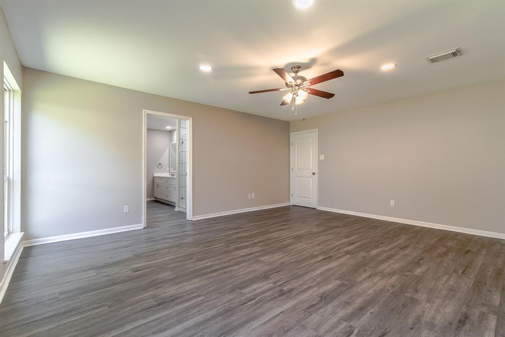 Renovated Home in Briargrove Park | 10334 Lynbrook Hollow Street Houston, Texas 77042 23