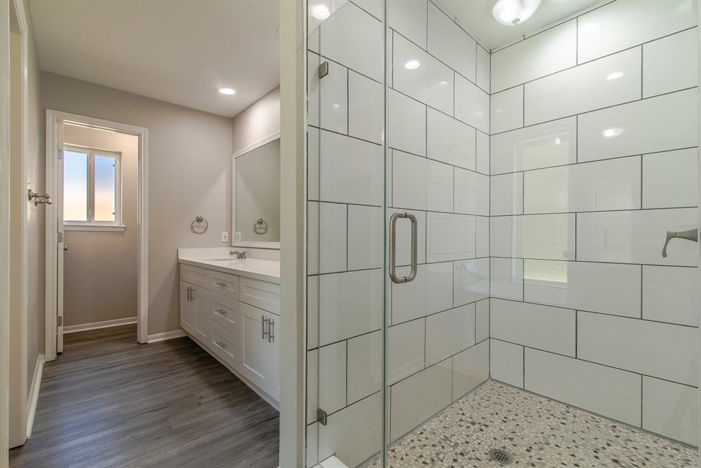 Renovated Home in Briargrove Park | 10334 Lynbrook Hollow Street Houston, Texas 77042 26