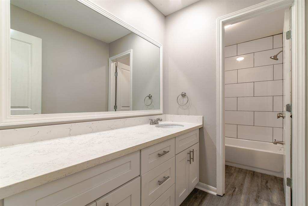 Renovated Home in Briargrove Park | 10334 Lynbrook Hollow Street Houston, Texas 77042 29