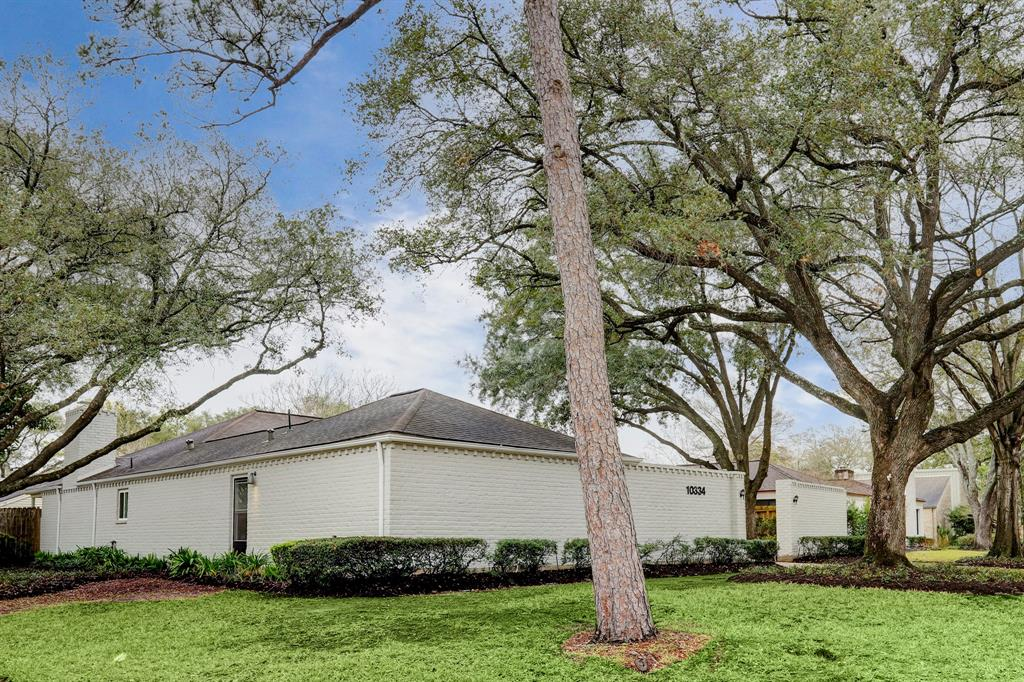 Renovated Home in Briargrove Park | 10334 Lynbrook Hollow Street Houston, Texas 77042 4
