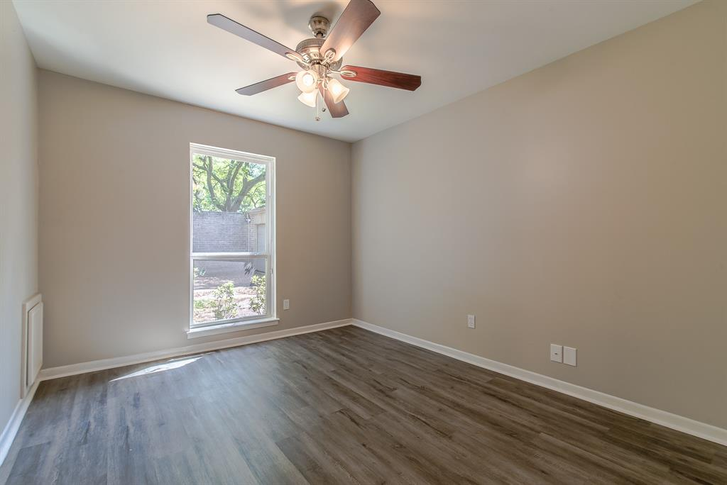 Renovated Home in Briargrove Park | 10334 Lynbrook Hollow Street Houston, Texas 77042 32