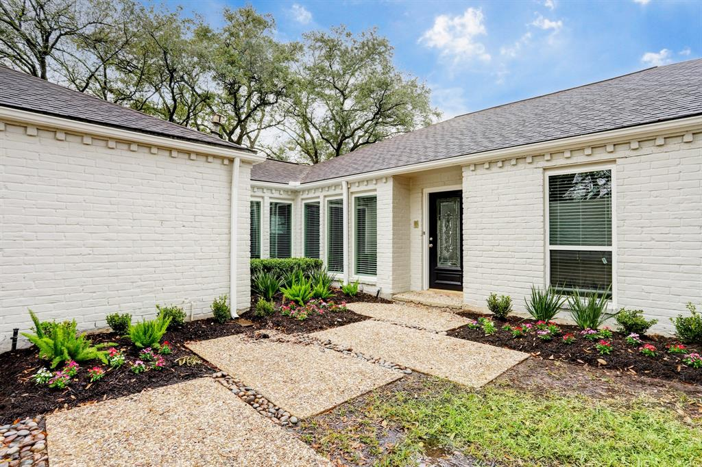 Renovated Home in Briargrove Park | 10334 Lynbrook Hollow Street Houston, Texas 77042 33