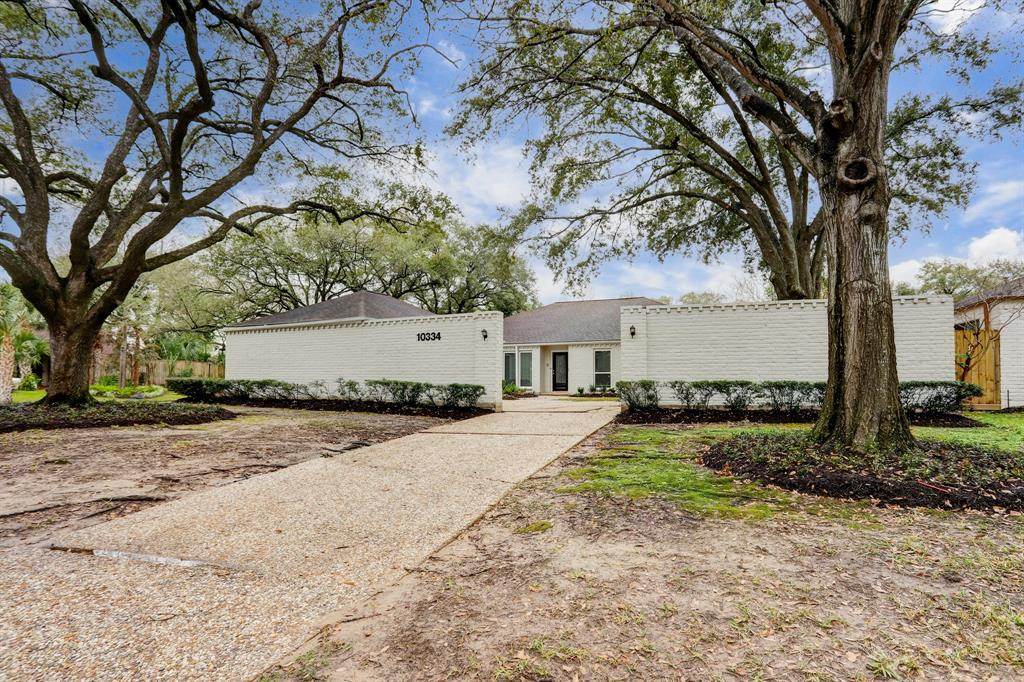 Renovated Home in Briargrove Park | 10334 Lynbrook Hollow Street Houston, Texas 77042 36