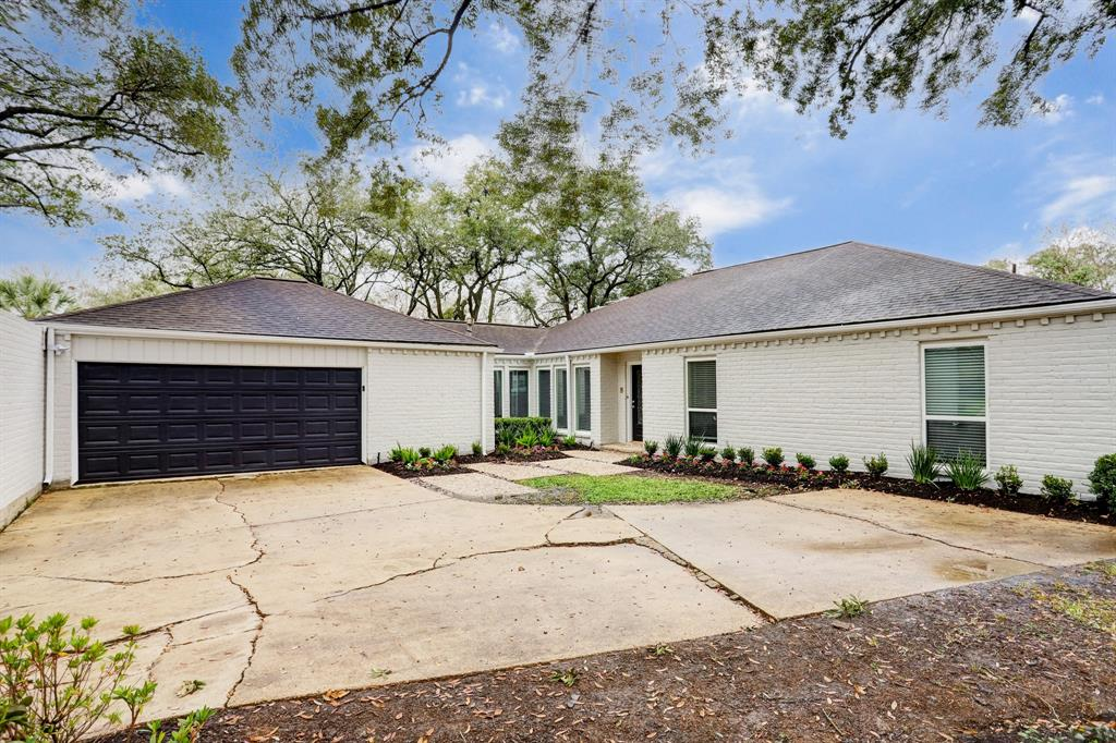 Renovated Home in Briargrove Park | 10334 Lynbrook Hollow Street Houston, Texas 77042 5