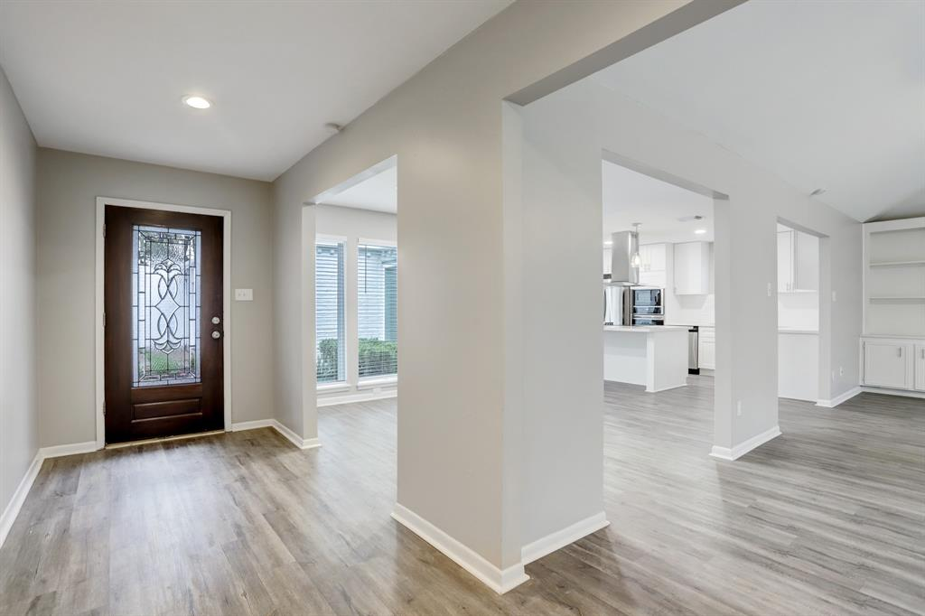 Renovated Home in Briargrove Park | 10334 Lynbrook Hollow Street Houston, Texas 77042 6