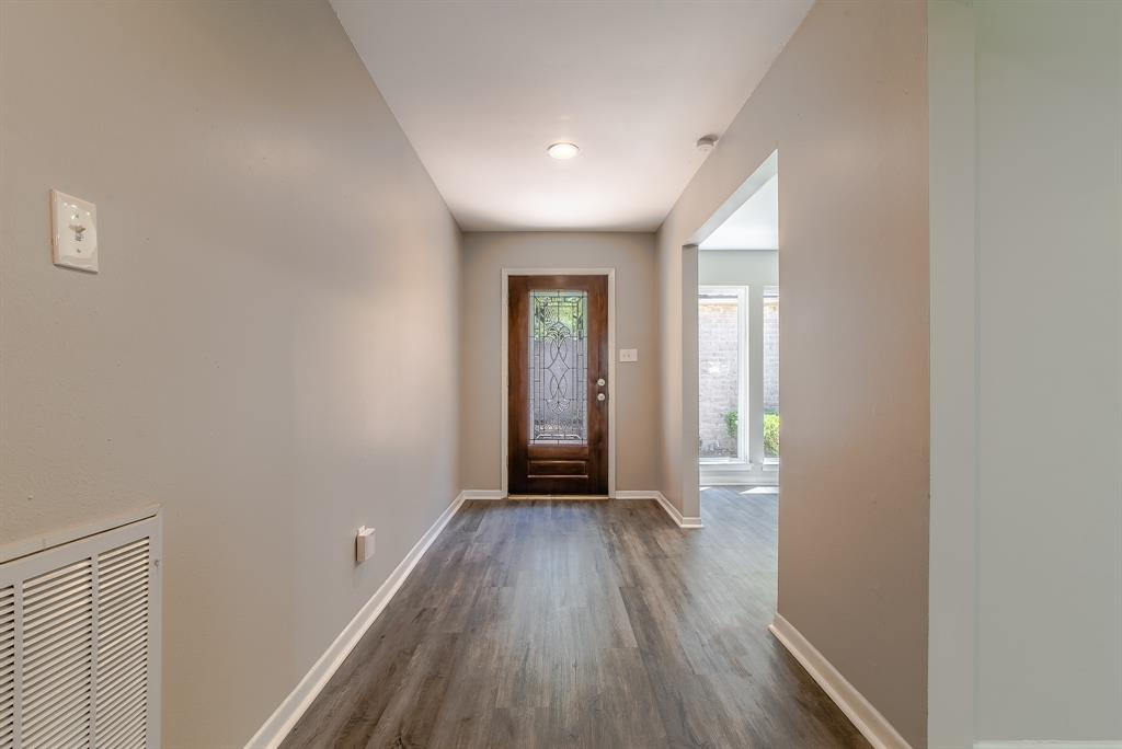 Renovated Home in Briargrove Park | 10334 Lynbrook Hollow Street Houston, Texas 77042 9