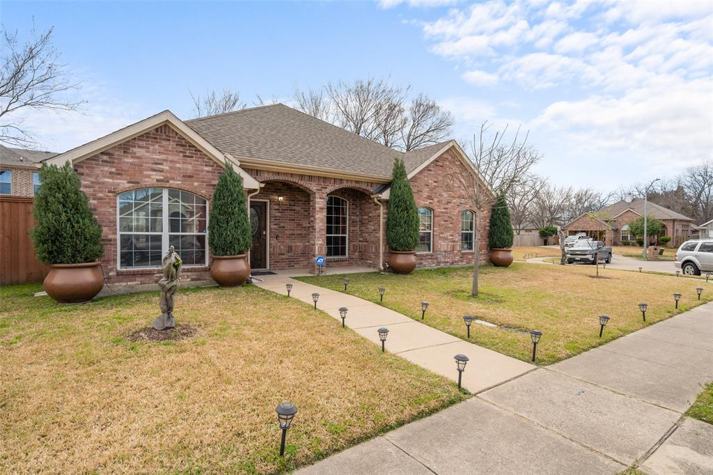 Sold Property | 1576 Angie Lane Irving, Texas 75060 2