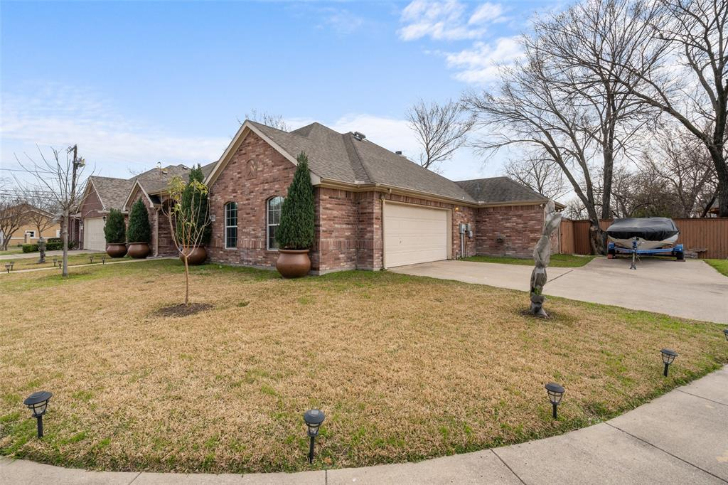 Sold Property | 1576 Angie Lane Irving, Texas 75060 3