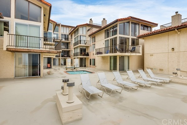 Closed | 555 Esplanade #320 Redondo Beach, CA 90277 26