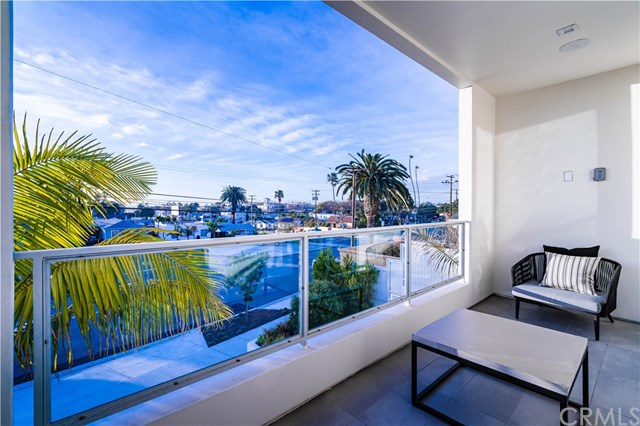 Active Under Contract | 406 S Francisca Avenue Redondo Beach, CA 90277 9