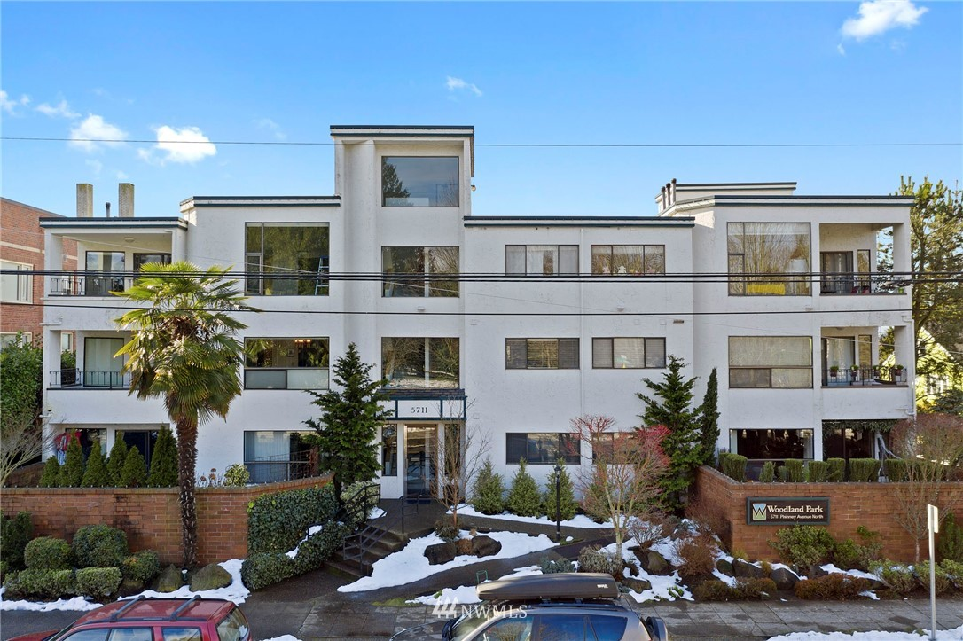 Sold Property | 5711 Phinney Avenue N #103 Seattle, WA 98103 0