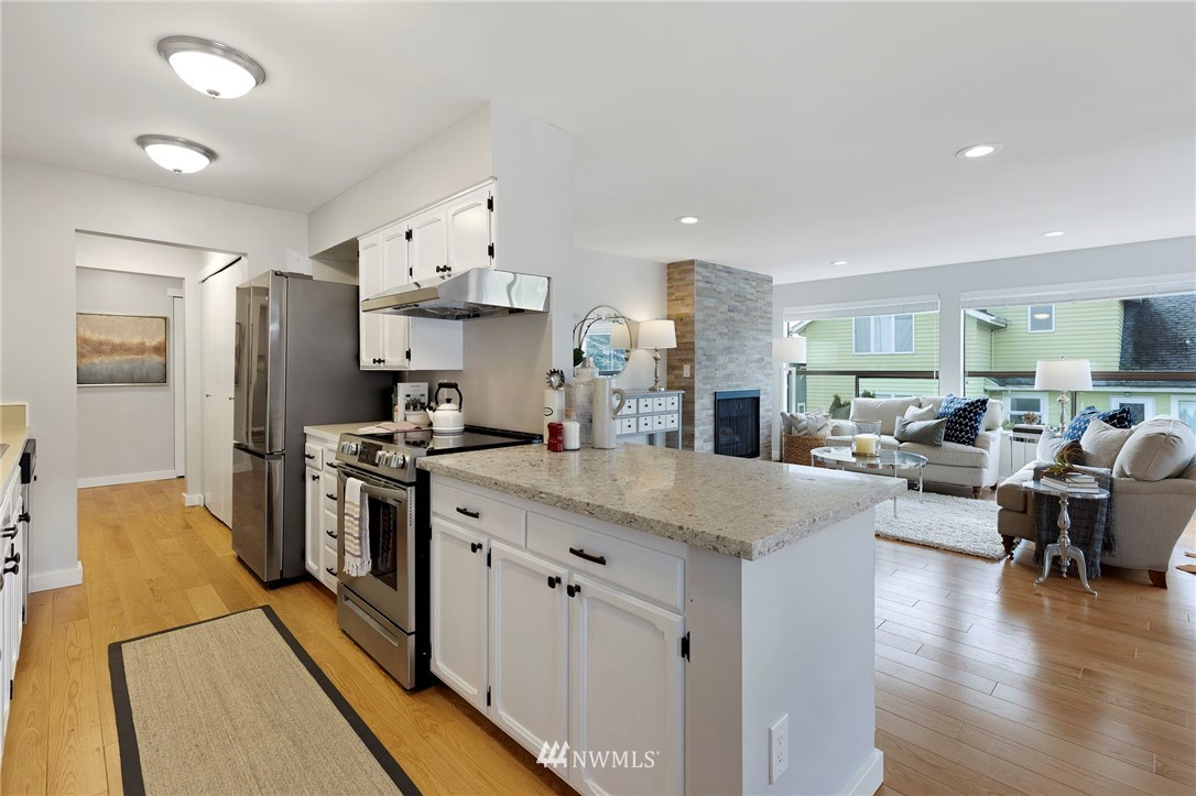 Sold Property | 5711 Phinney Avenue N #103 Seattle, WA 98103 1