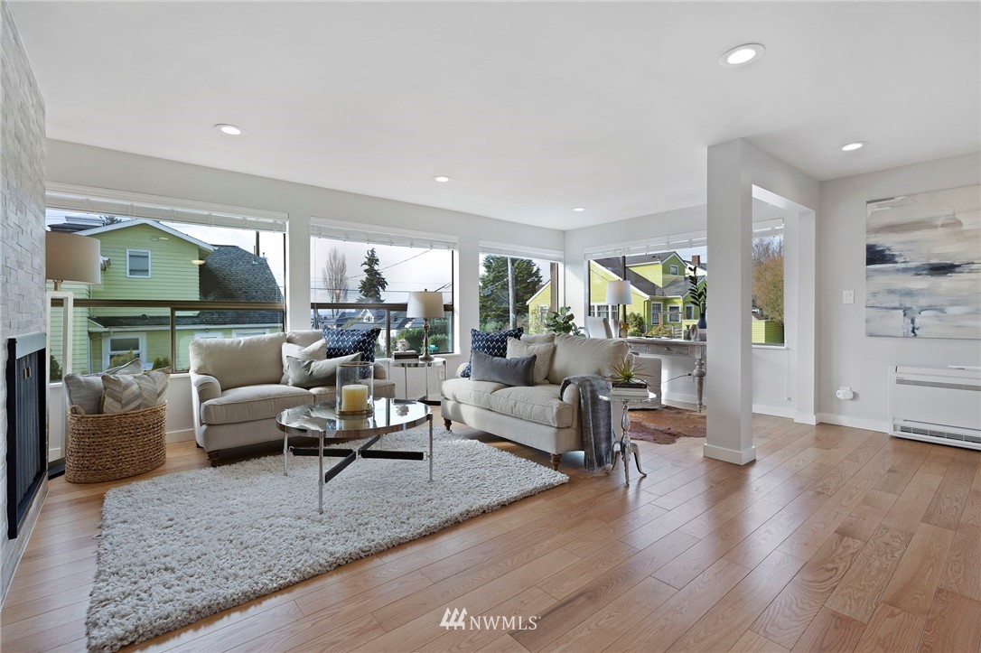 Sold Property | 5711 Phinney Avenue N #103 Seattle, WA 98103 9