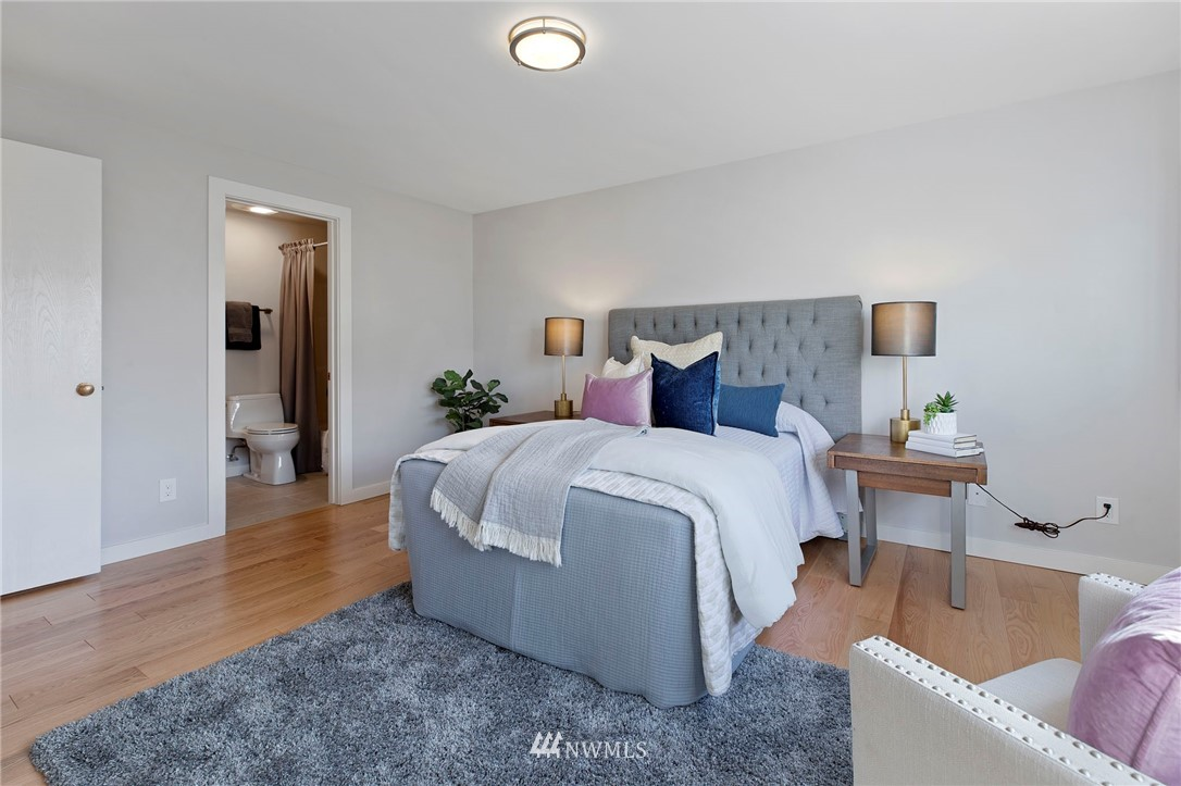 Sold Property | 5711 Phinney Avenue N #103 Seattle, WA 98103 12