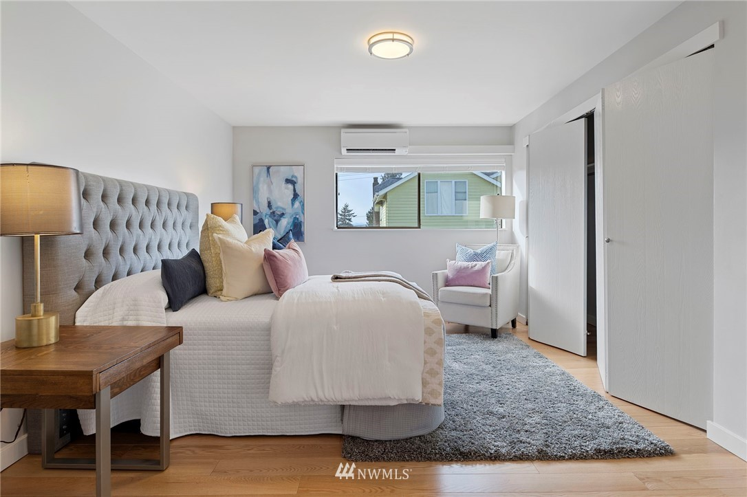 Sold Property | 5711 Phinney Avenue N #103 Seattle, WA 98103 13