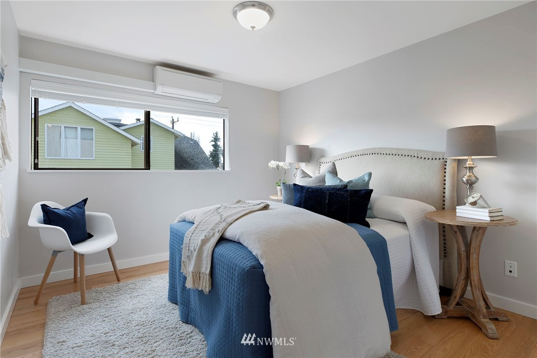 Sold Property | 5711 Phinney Avenue N #103 Seattle, WA 98103 16