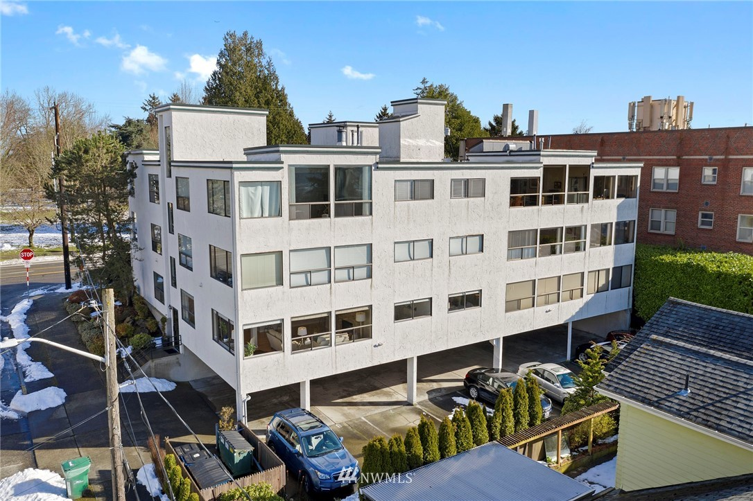 Sold Property | 5711 Phinney Avenue N #103 Seattle, WA 98103 22