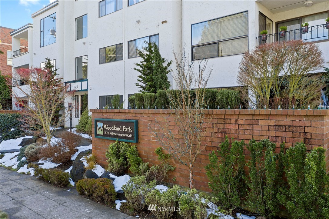 Sold Property | 5711 Phinney Avenue N #103 Seattle, WA 98103 24