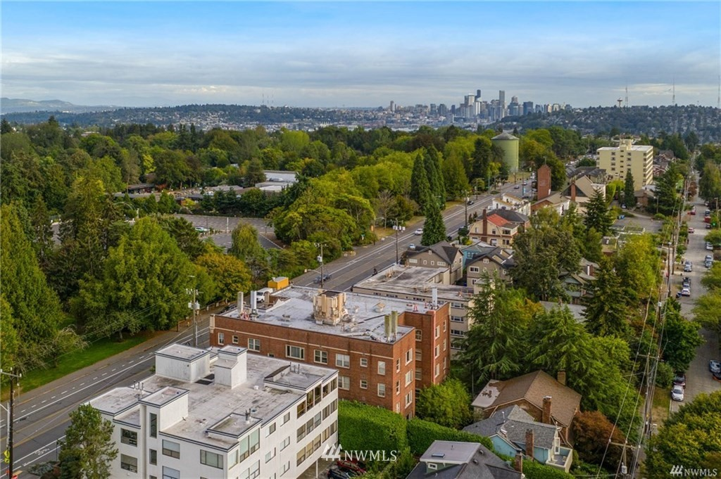 Sold Property | 5711 Phinney Avenue N #103 Seattle, WA 98103 21