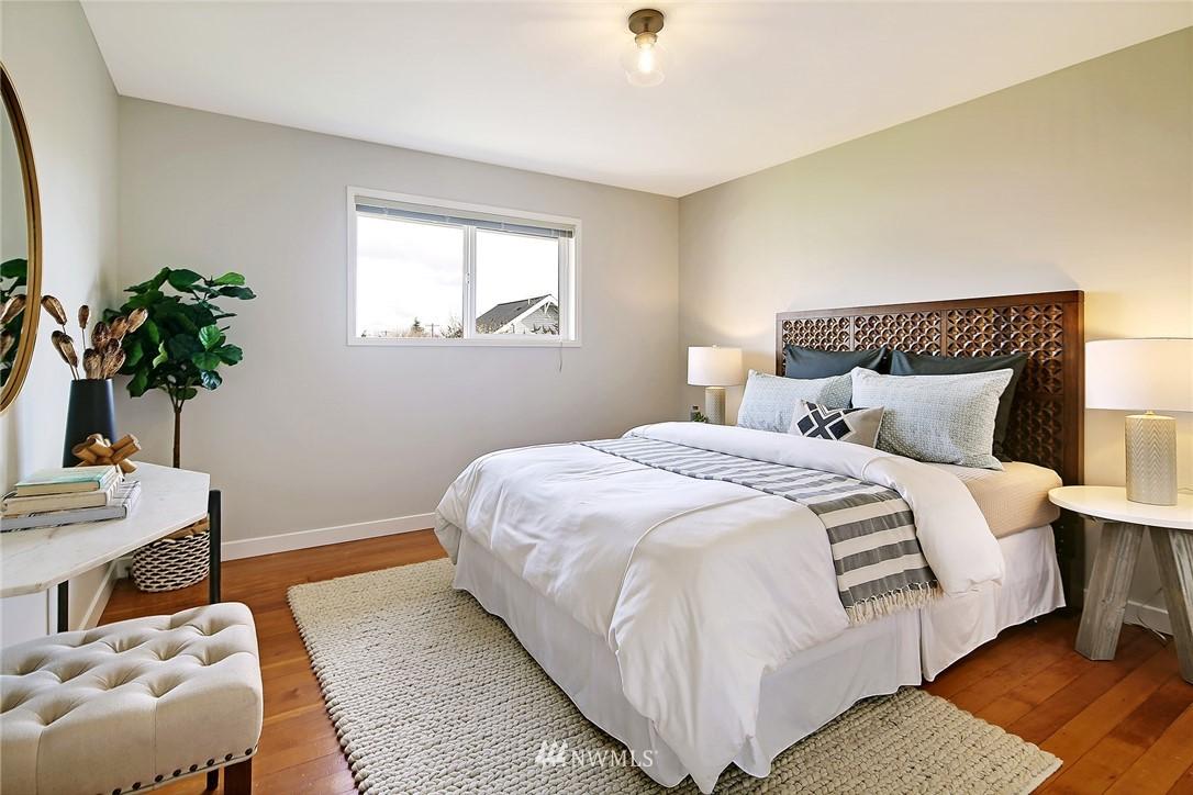 Sold Property | 8006 Earl Avenue NW Seattle, WA 98117 7