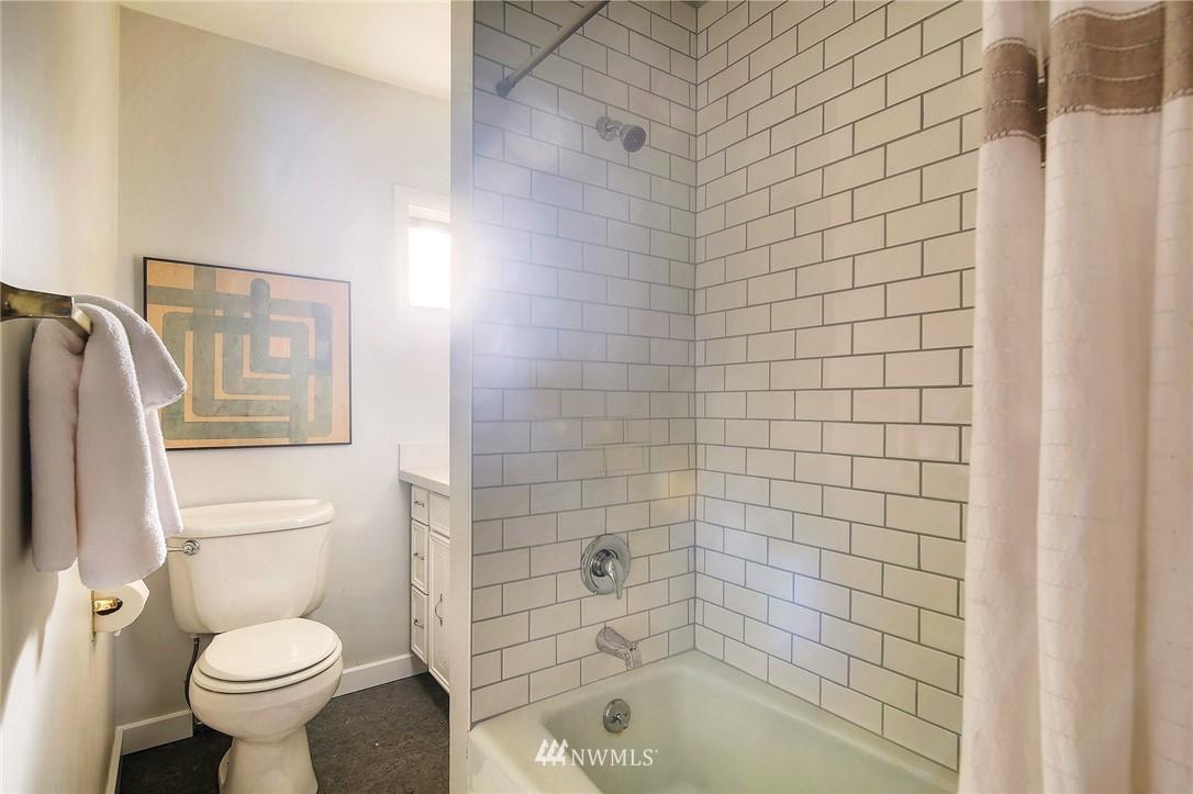 Sold Property | 8006 Earl Avenue NW Seattle, WA 98117 10