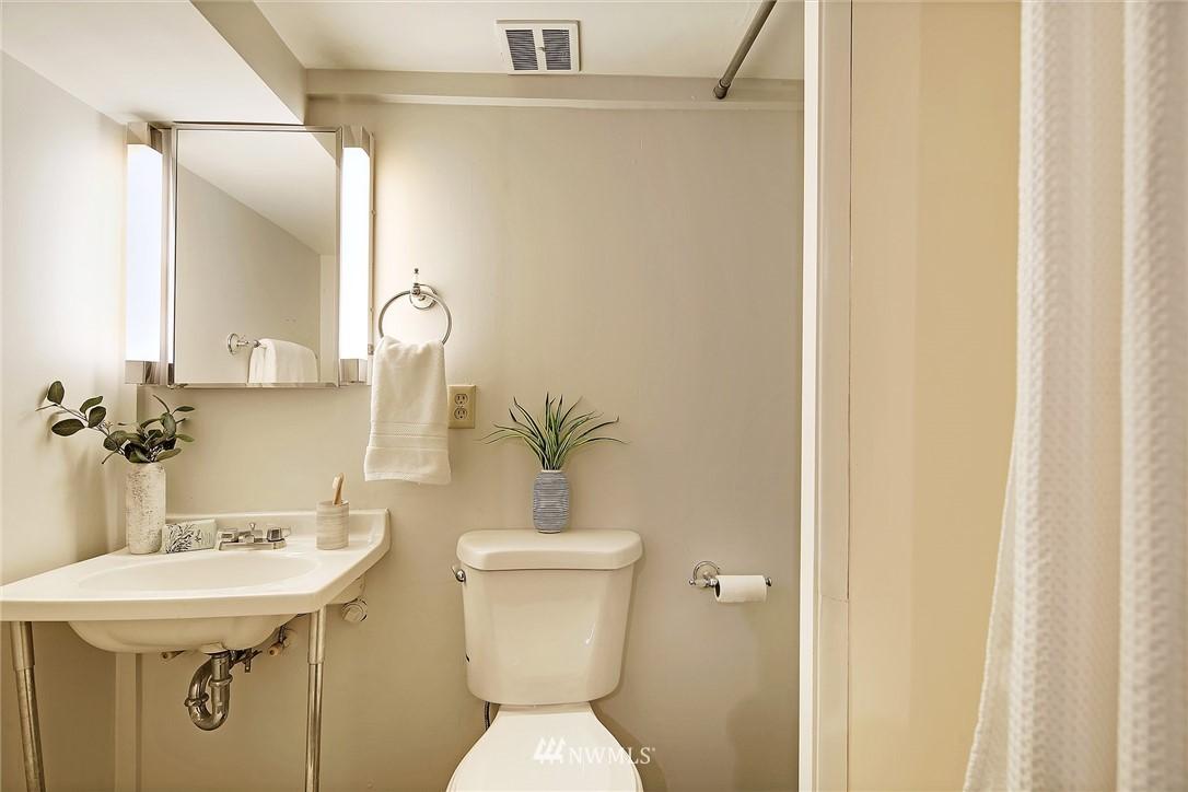 Sold Property | 8006 Earl Avenue NW Seattle, WA 98117 13