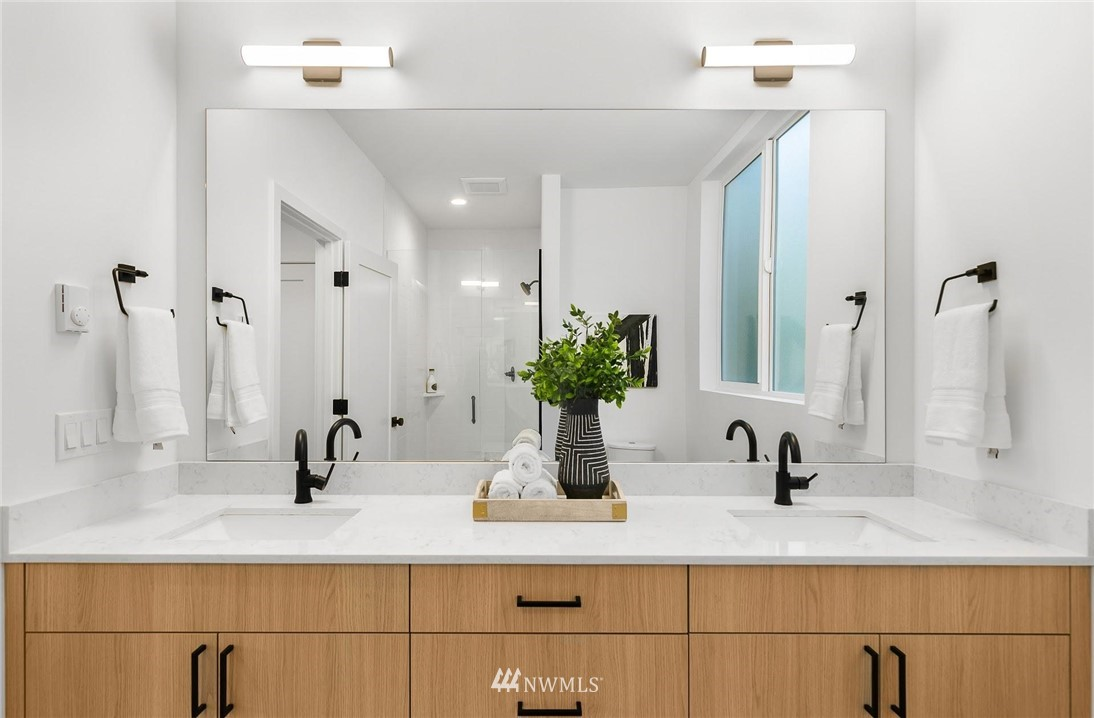 Sold Property | 6024 Sand Point Way NE Seattle, WA 98115 16