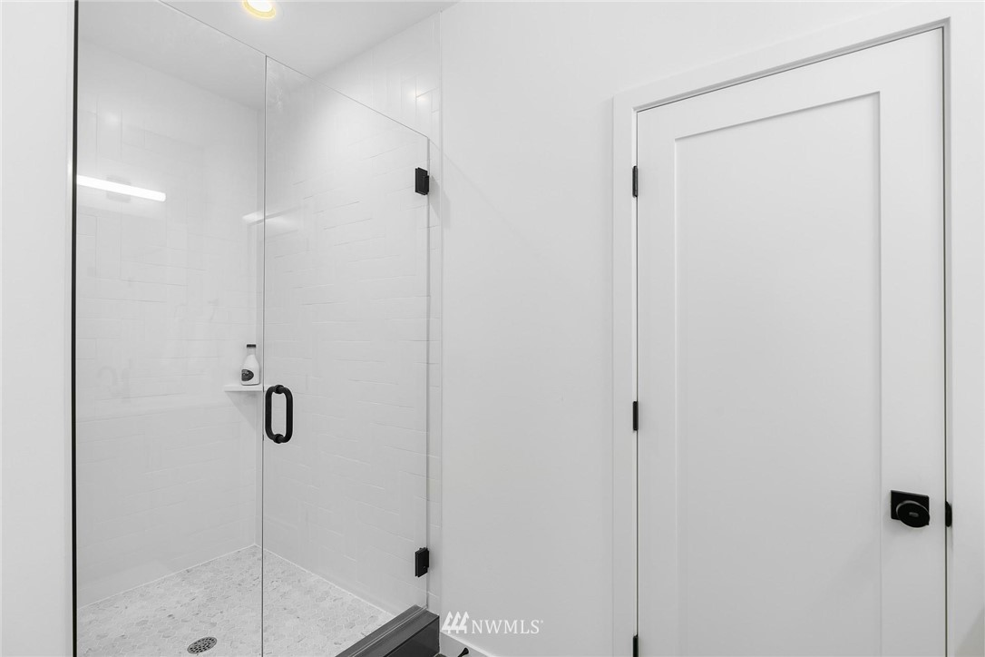 Sold Property | 6024 Sand Point Way NE Seattle, WA 98115 17