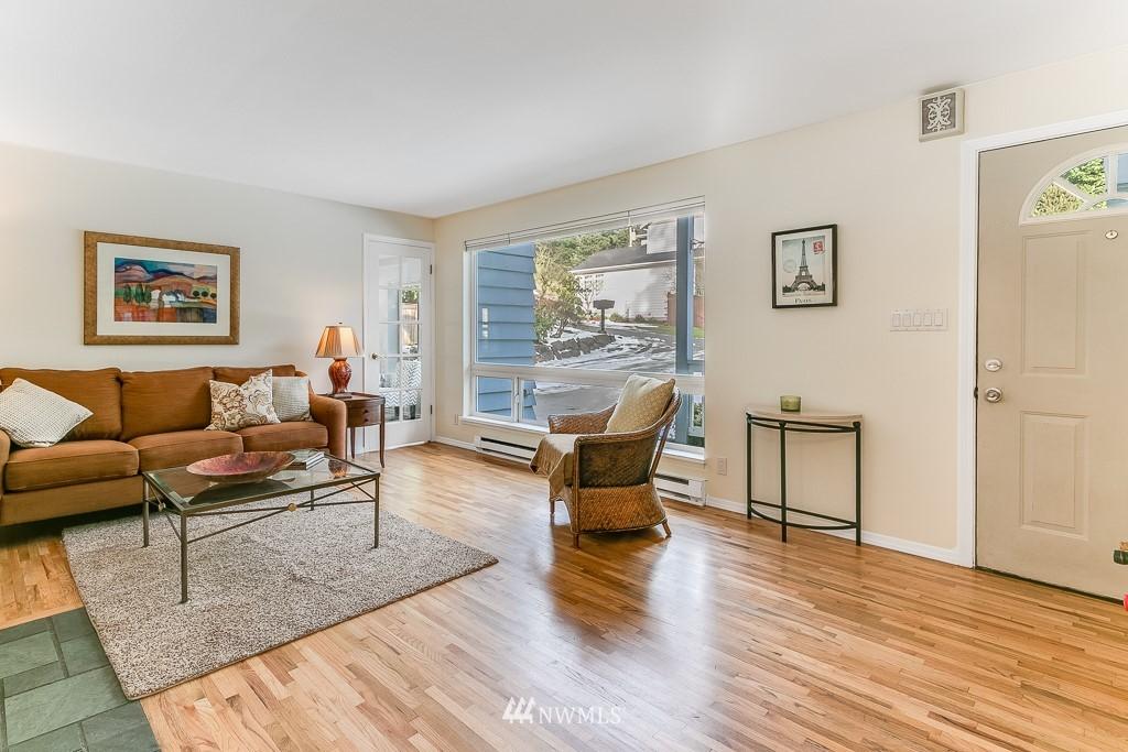 Sold Property | 1005 NE 126th Street Seattle, WA 98125 2