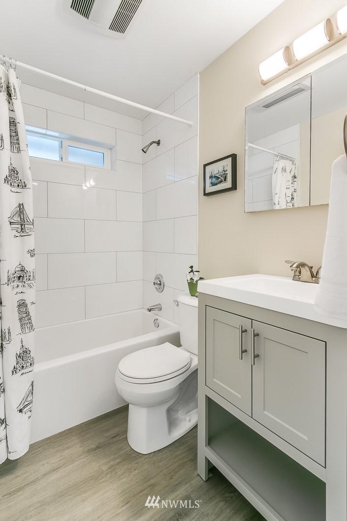 Sold Property | 1005 NE 126th Street Seattle, WA 98125 10