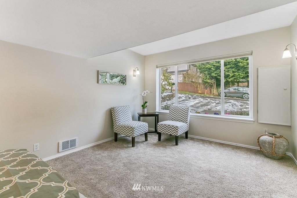 Sold Property | 1005 NE 126th Street Seattle, WA 98125 12