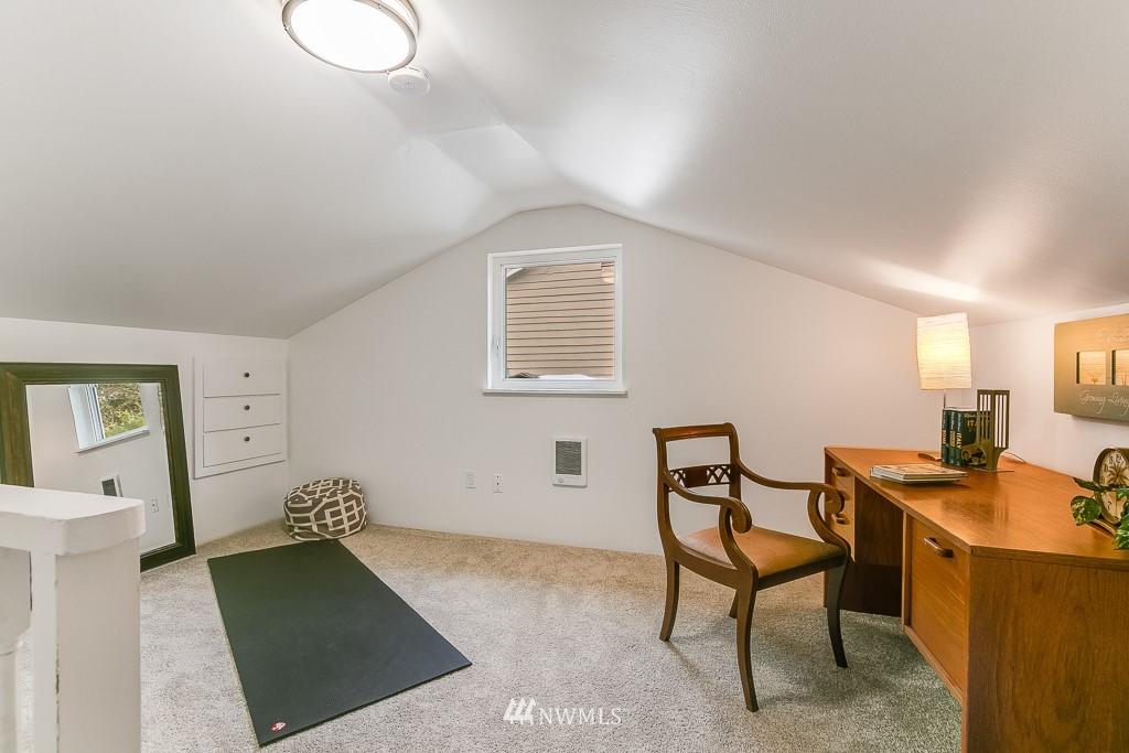 Sold Property | 1005 NE 126th Street Seattle, WA 98125 16